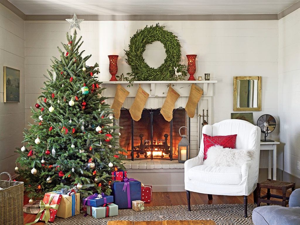 useful tricks festive Christmas spirit small space